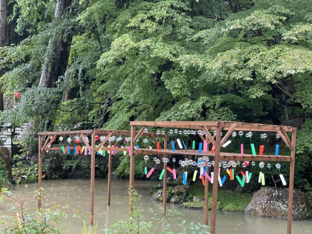 池の風鈴の画像